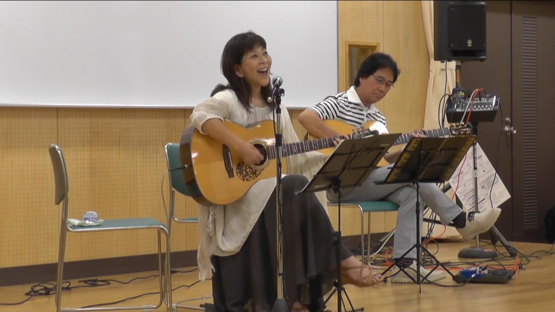 懐かしい「英語の歌」でシニアの英語学習を応援
